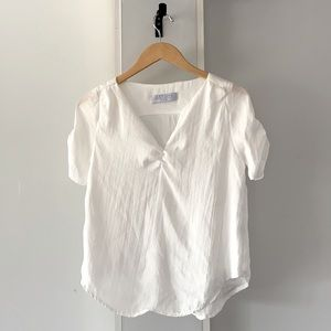 Lucy Love V-Neck Poet Blouse Solid White XS